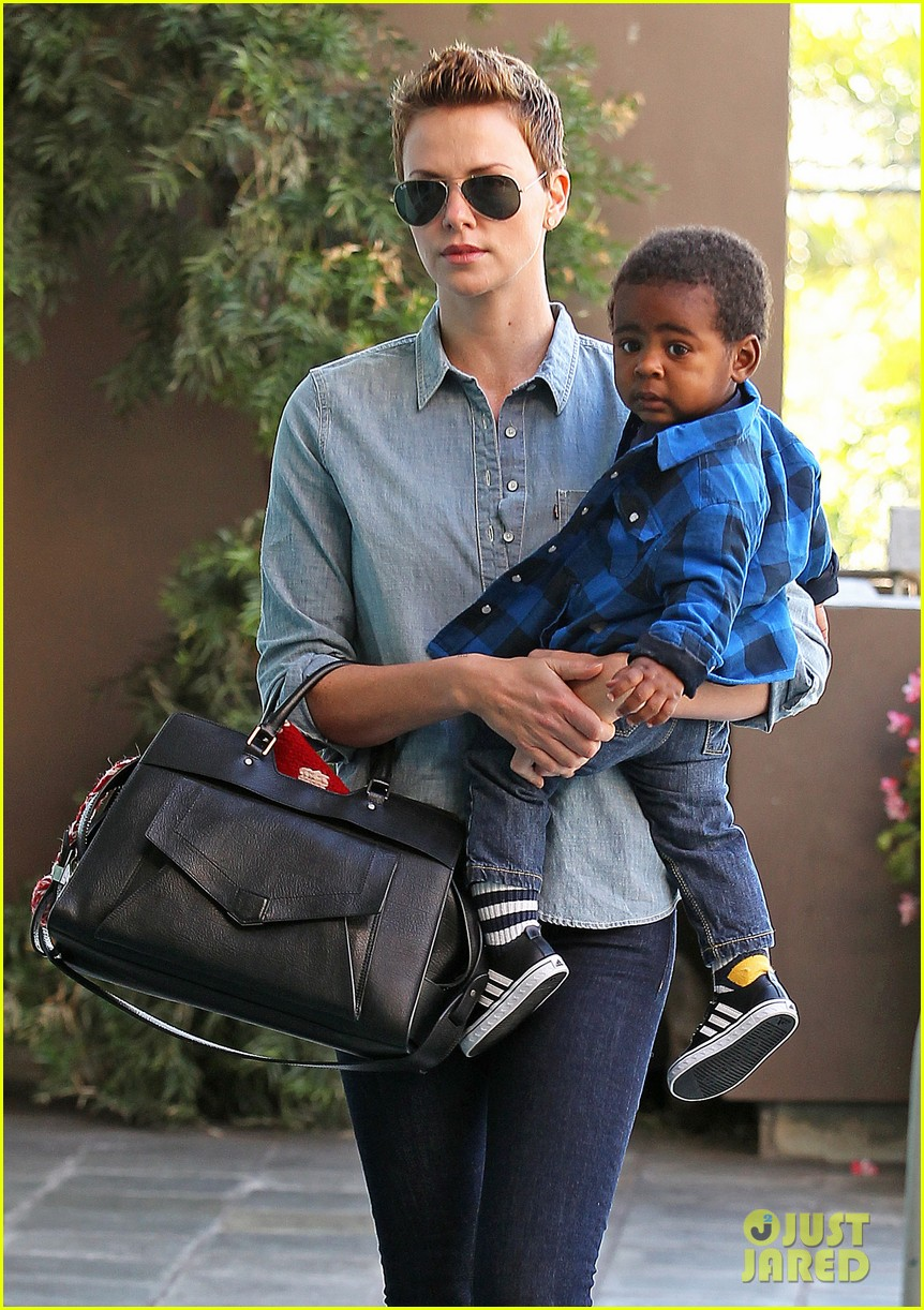 charlize theron fit for kids with jackson 082811223
