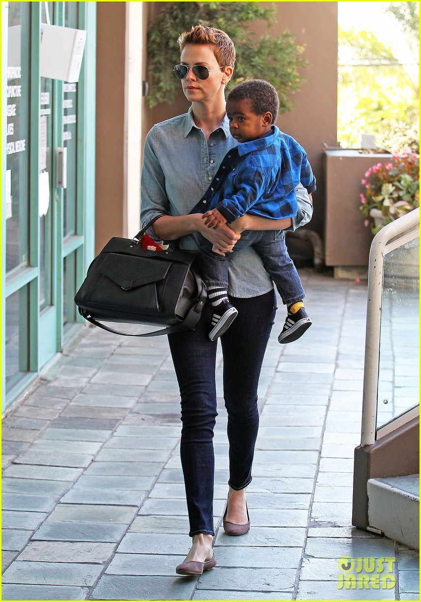 charlize theron fit for kids with jackson 092811224