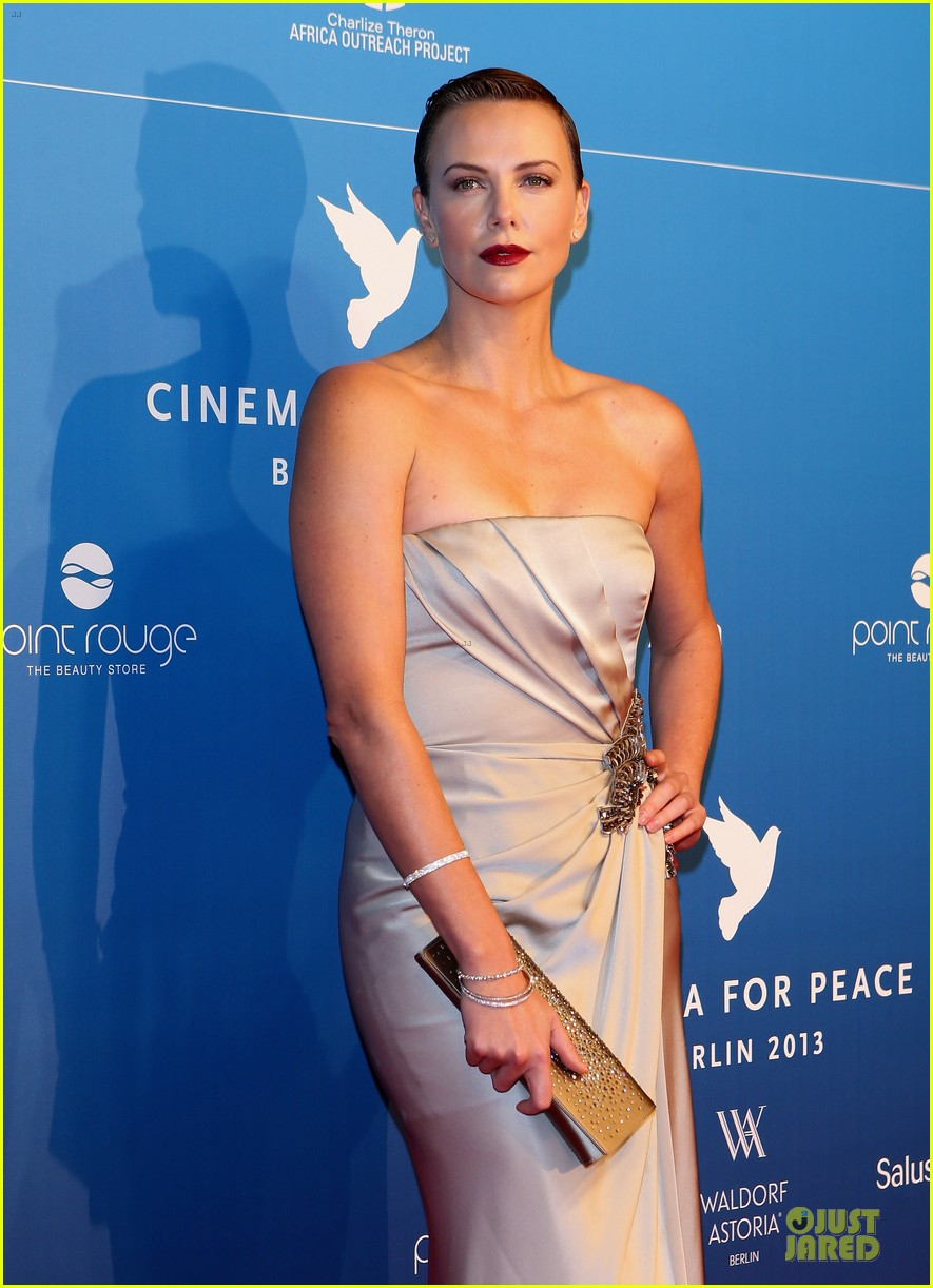charlize theron cinema for peace gala 16
