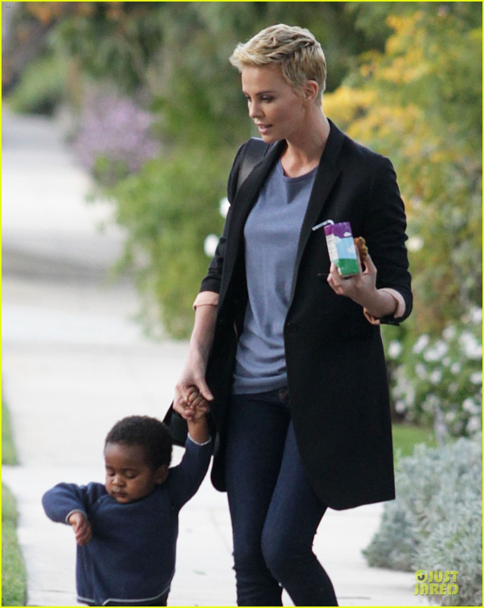 charlize theron playdate with jackson 042817719