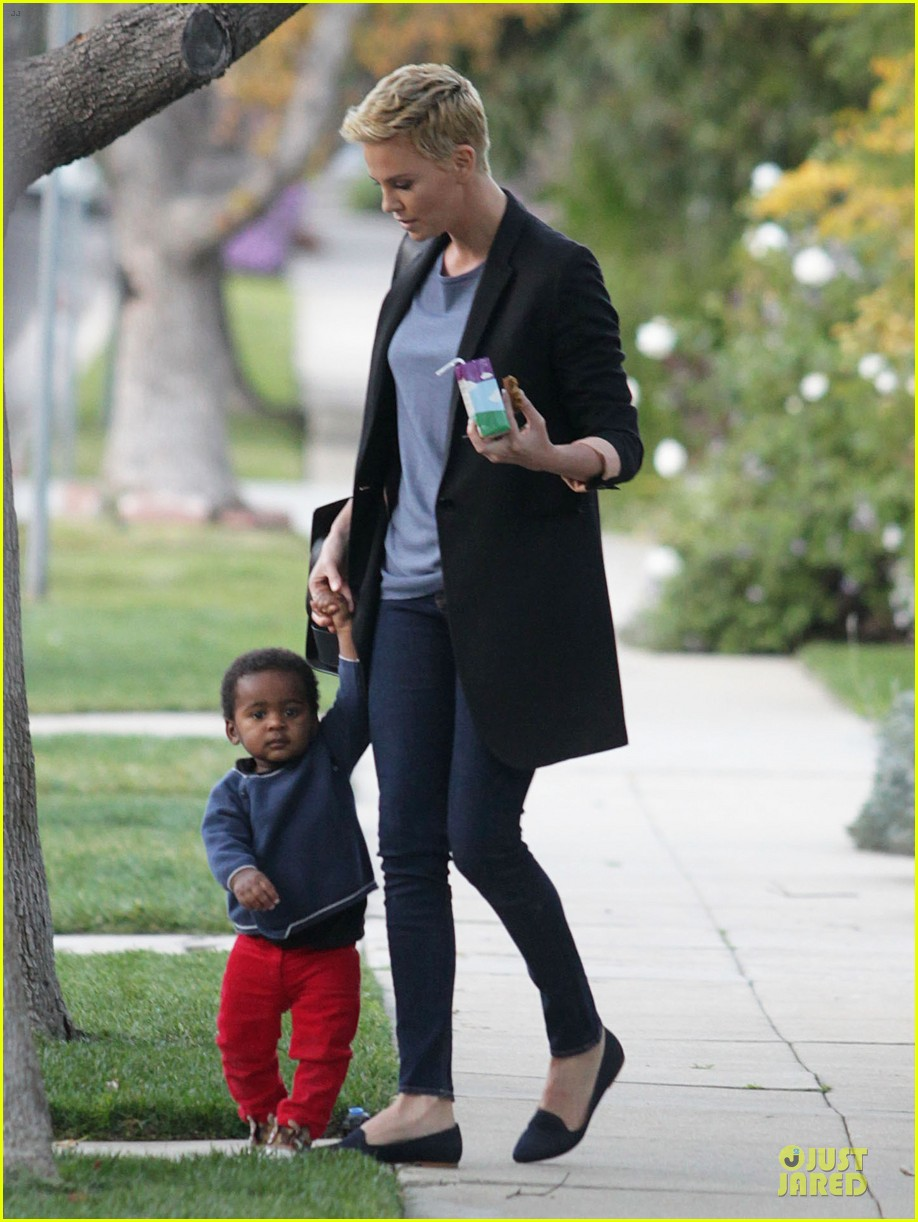 charlize theron playdate with jackson 05