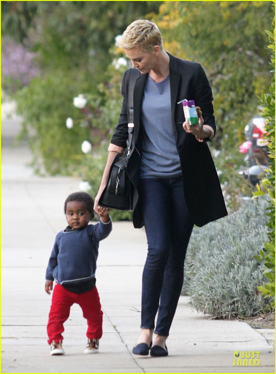charlize theron playdate with jackson 072817722