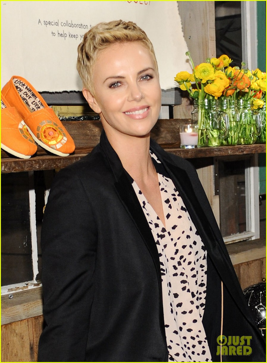 charlize theron africa outreach project toms celebration 042818104