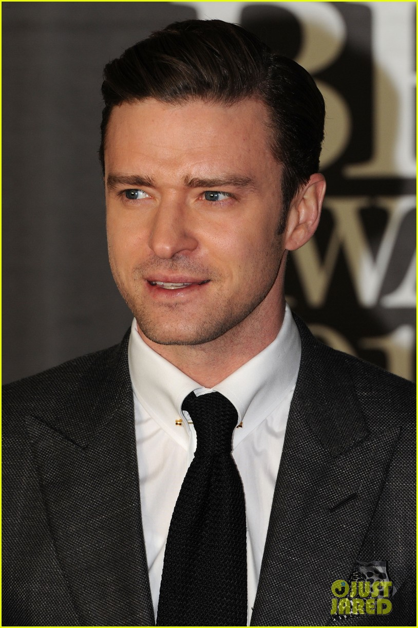 justin timberlake brit awards 2013 red carpet 07