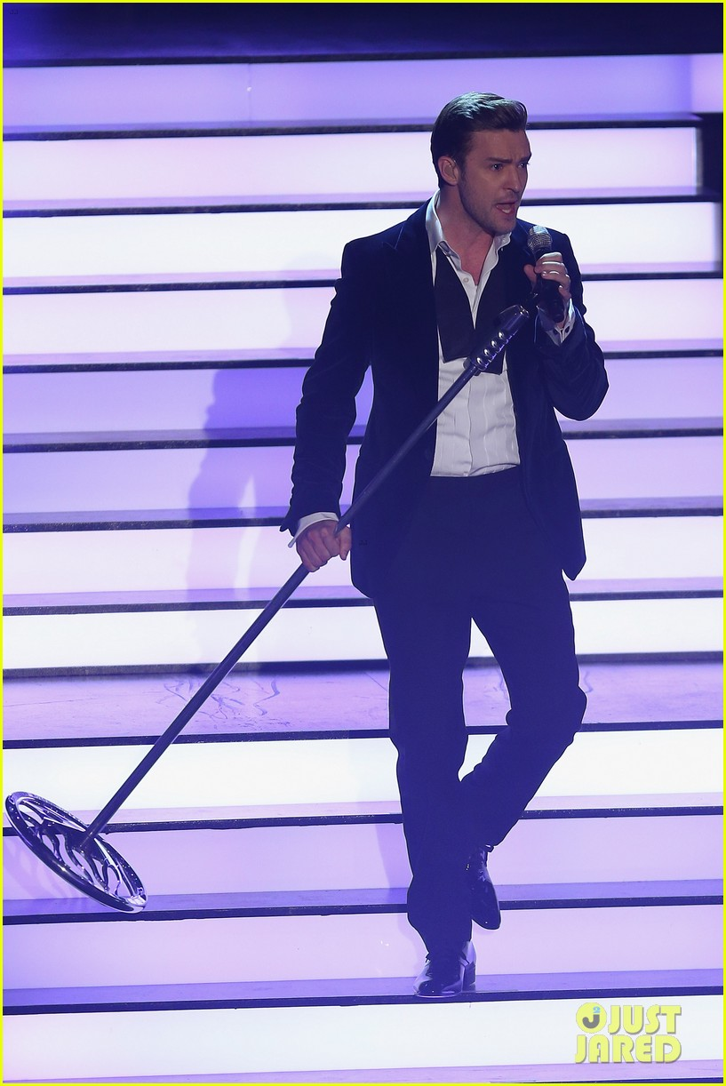 justin timberlake performs mirrors on wetten dass 032818676