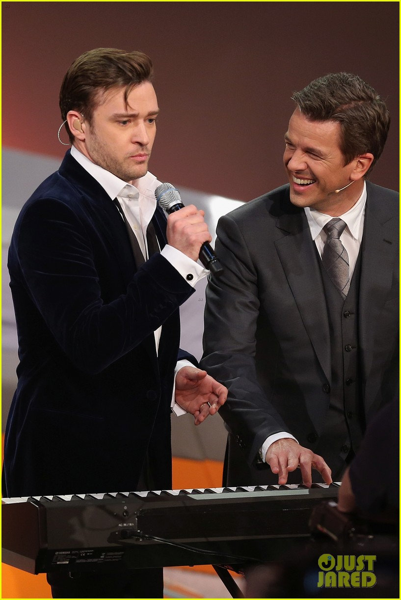 justin timberlake performs mirrors on wetten dass 14