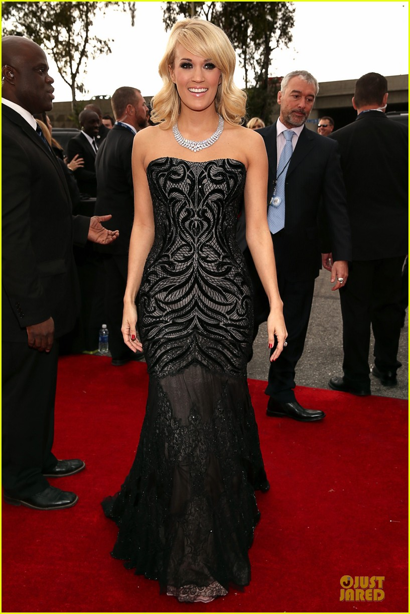 carrie underwood grammys 2013 red carpet 062809181