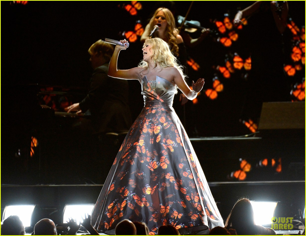 carrie underwood hunter haynes grammys 2013 performance watch now 082809589