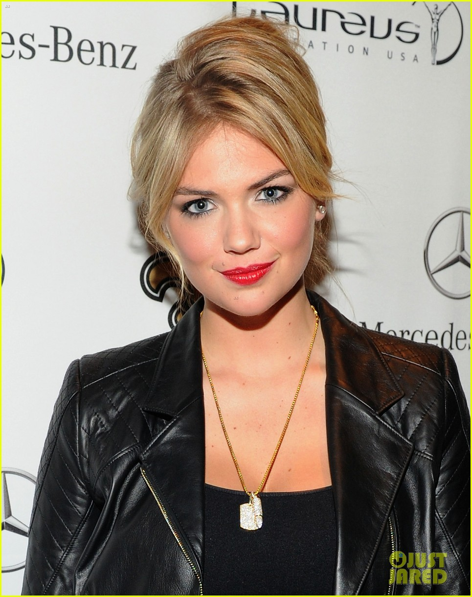 kate upton usher mercedes benz super bowl commercial 022804142