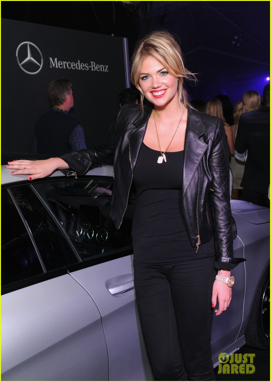 kate upton usher mercedes benz super bowl commercial 042804144