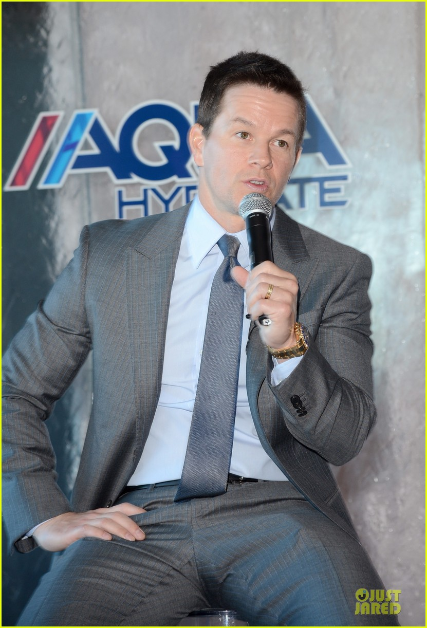 mark wahlberg sean combs aquahydrate press conference 022822011