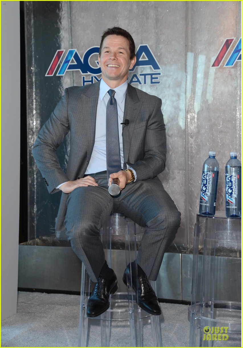 mark wahlberg sean combs aquahydrate press conference 092822018