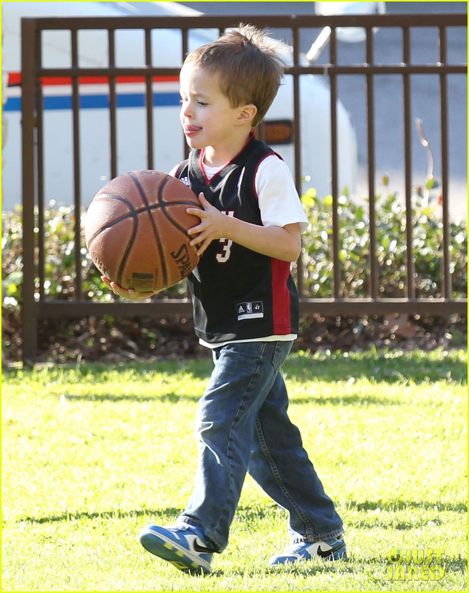 mark wahlberg basketball with brendan 202812209