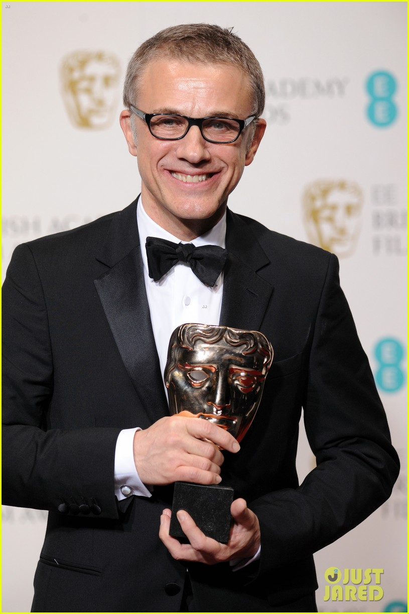 christoph waltz wins best supporting actor at baftas 2013 022808953