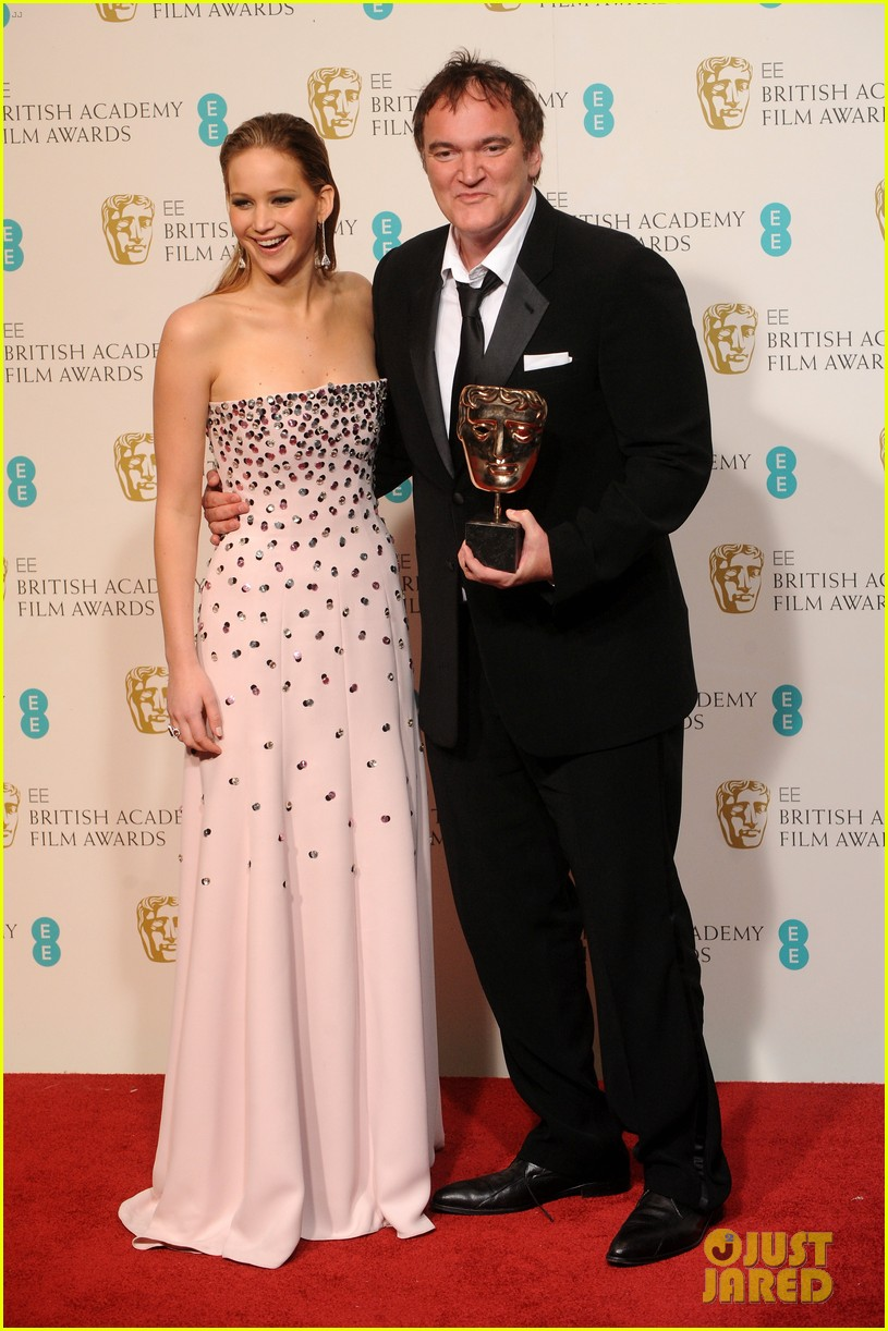 christoph waltz wins best supporting actor at baftas 2013 082808959