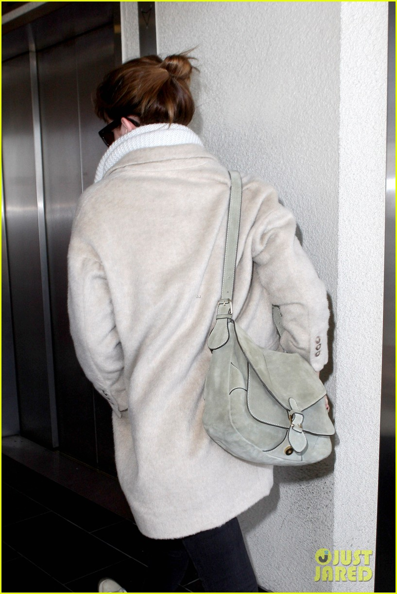 emma watson lax to jfk 11