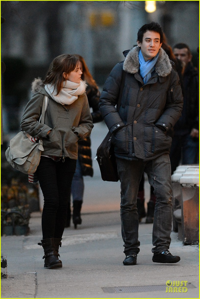 emma watson will adamowicz romantic stroll after valentines day 082813612