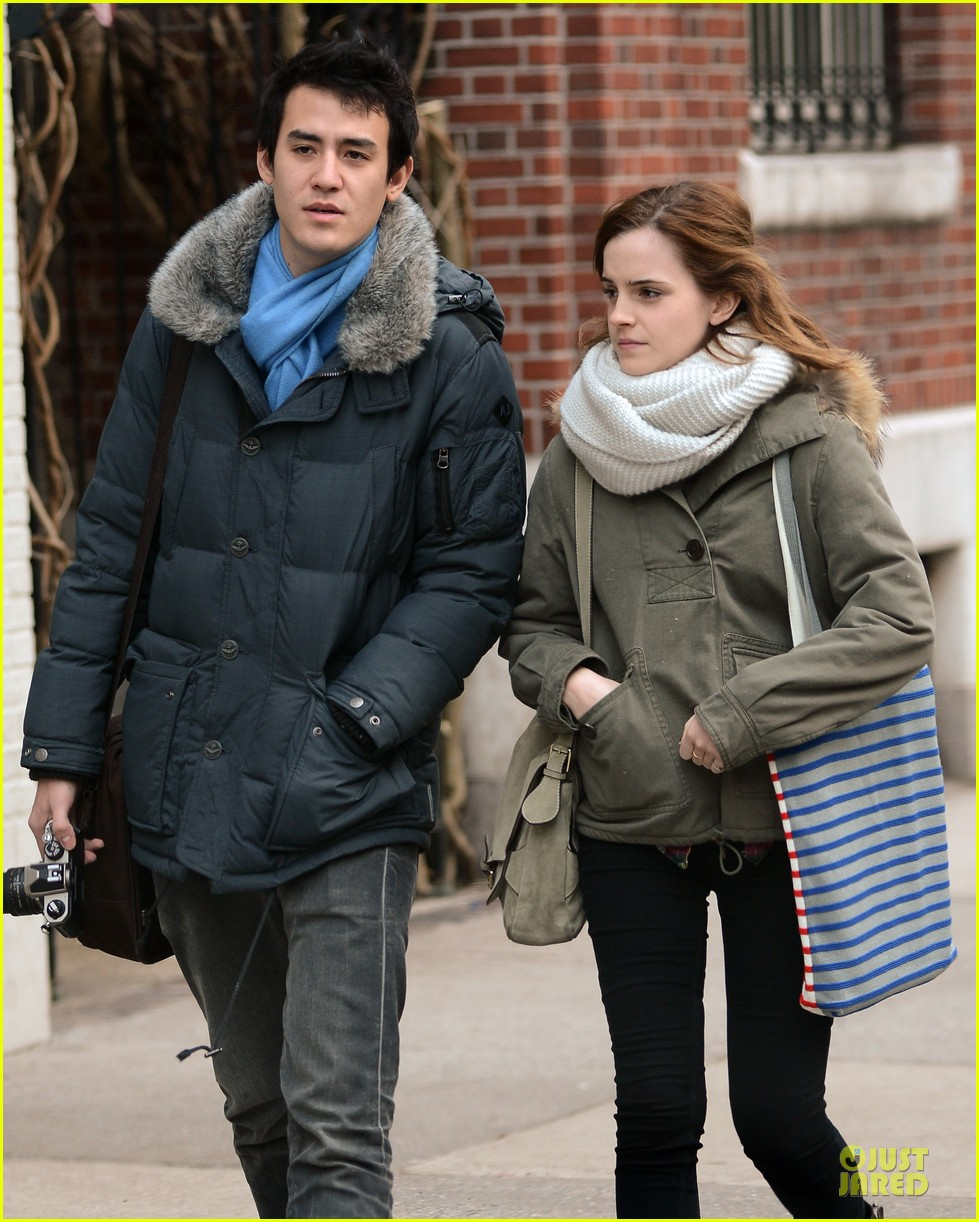 emma watson will adamowicz romantic stroll after valentines day 102813614