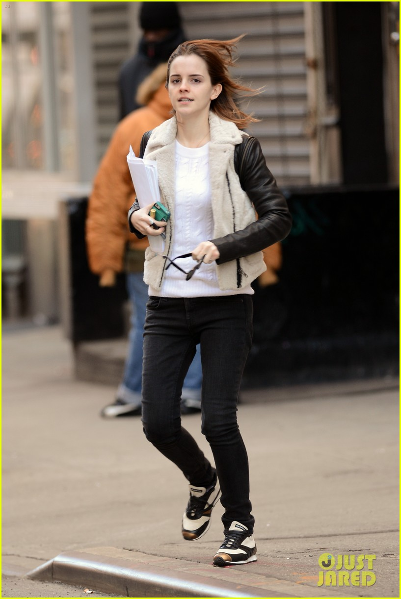 emma watson has iphone woes admits to too much multitasking 012816550