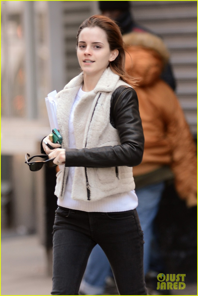 emma watson has iphone woes admits to too much multitasking 022816551