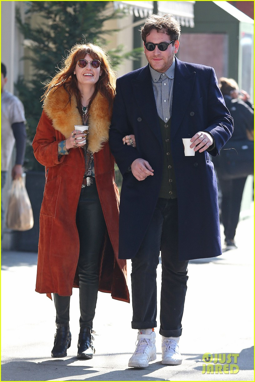 florence welch valentines day stroll with mystery man 072812959