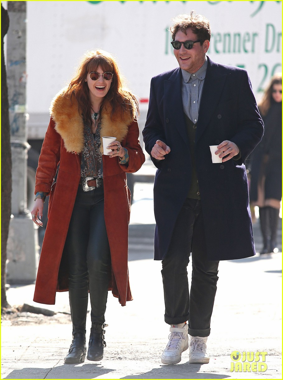 florence welch valentines day stroll with mystery man 11