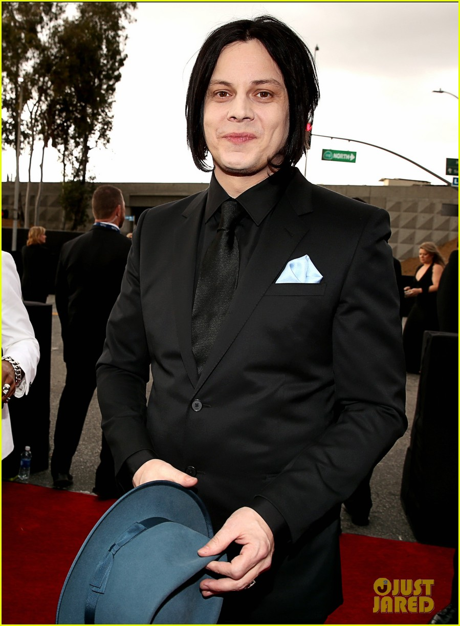 jack white grammys 2013 red carpet 012809387