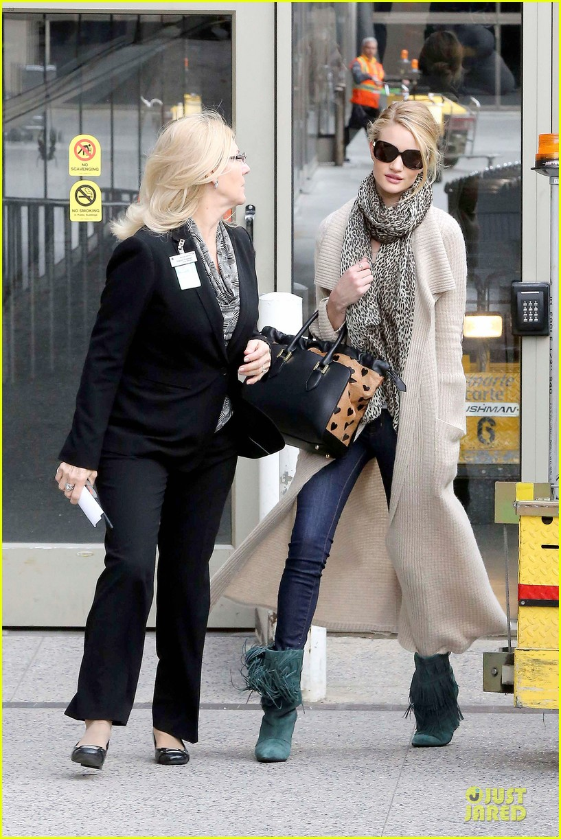 rosie huntington whiteley la london style are different 172815404