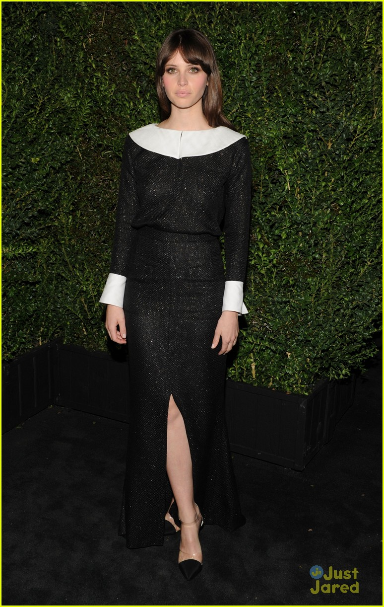 rosie huntington whiteley felicity jones chanel pre oscars party 2013 032818460