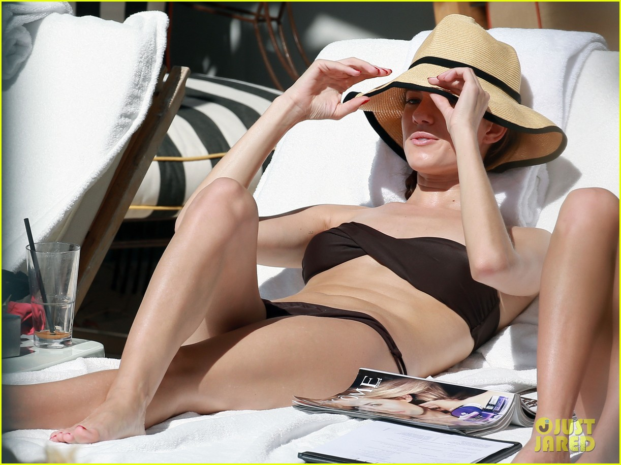 allison williams bikini babe in miami 07
