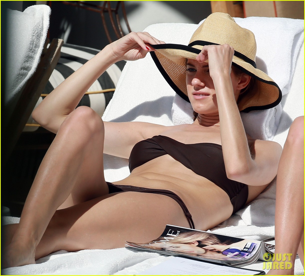 allison williams bikini babe in miami 092804456