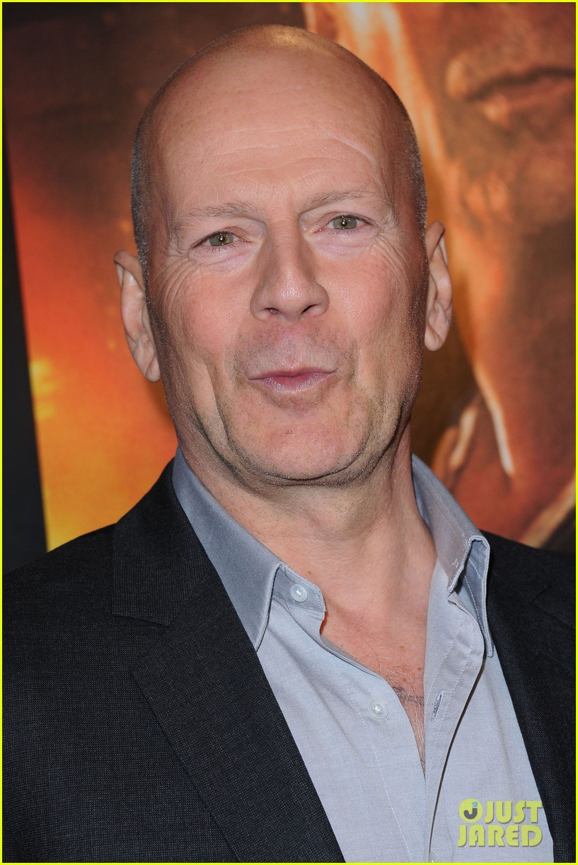 bruce willis jai courtney good way to die hard fan event 122812243