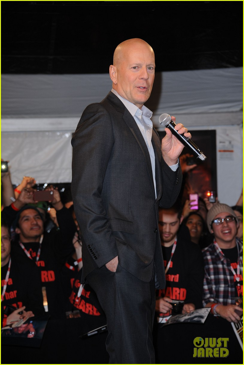 bruce willis jai courtney good way to die hard fan event 132812244