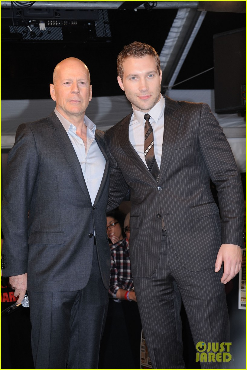 bruce willis jai courtney good way to die hard fan event 162812247