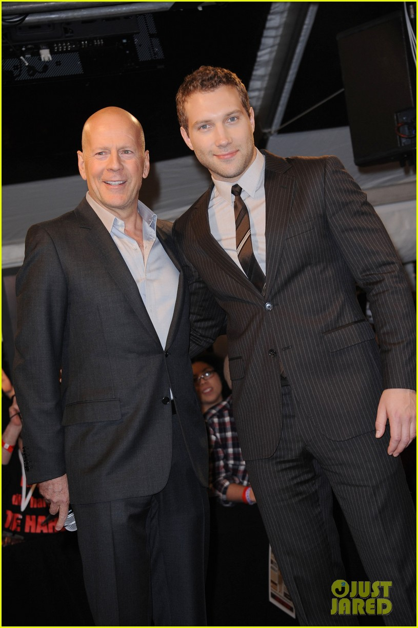 bruce willis jai courtney good way to die hard fan event 172812248