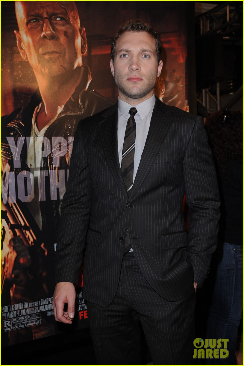 bruce willis jai courtney good way to die hard fan event 202812251