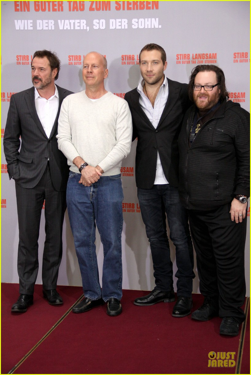 bruce willis jai courtney die hard photo call in germany 062805376
