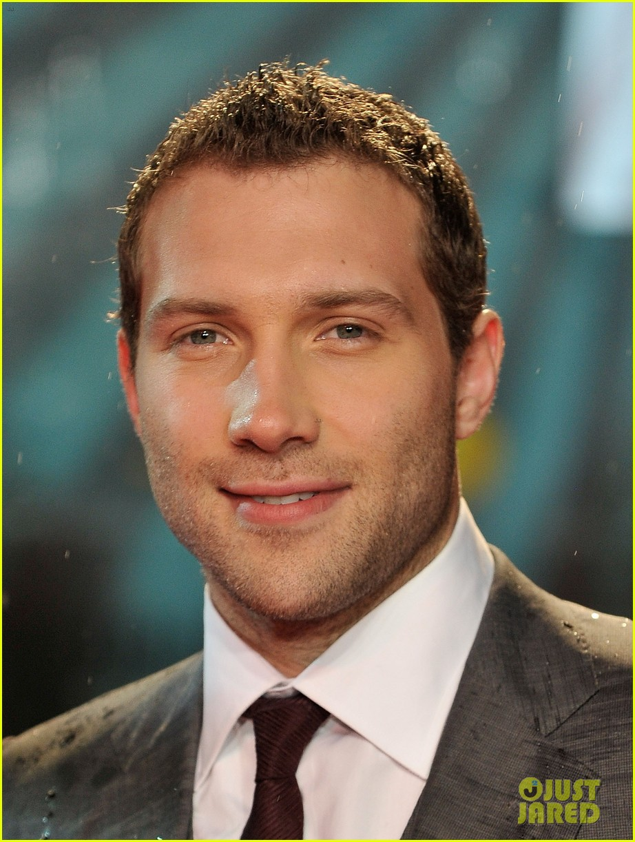 bruce willis jai courtney die hard london premiere 04