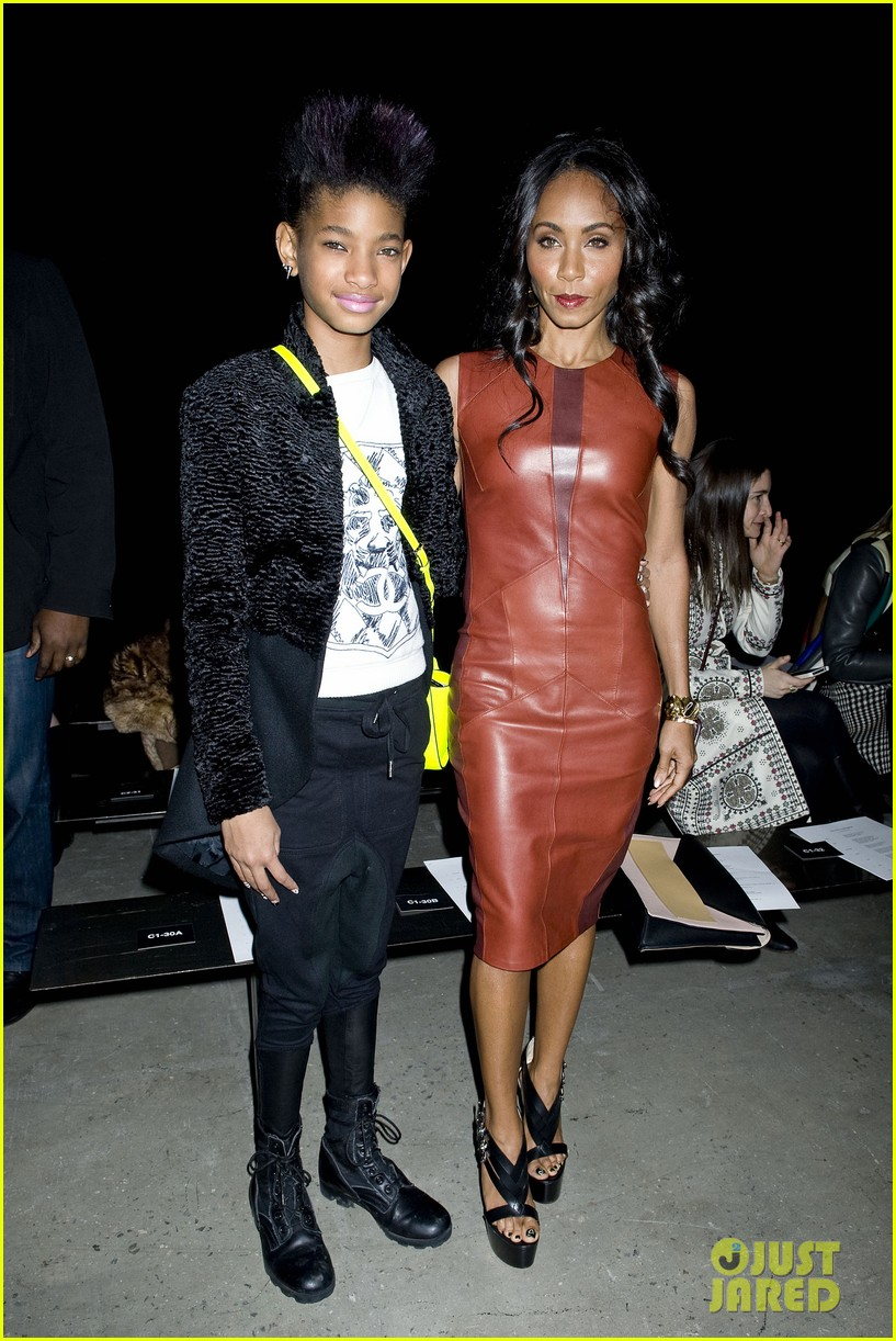 willow jada pinkett smith narciso rodriguez fashion show 072811373