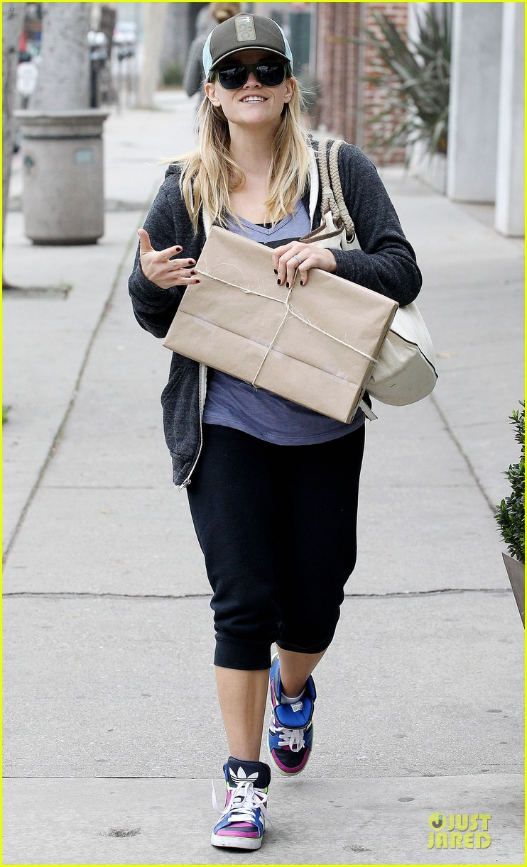 reese witherspoon soul cycle supporter 102805419