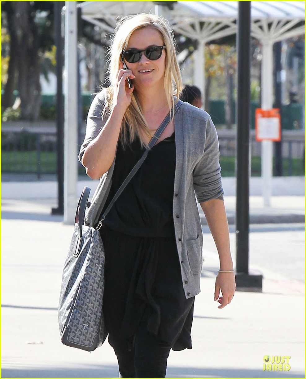reese witherspoon nailed duet raves michael buble 042822043