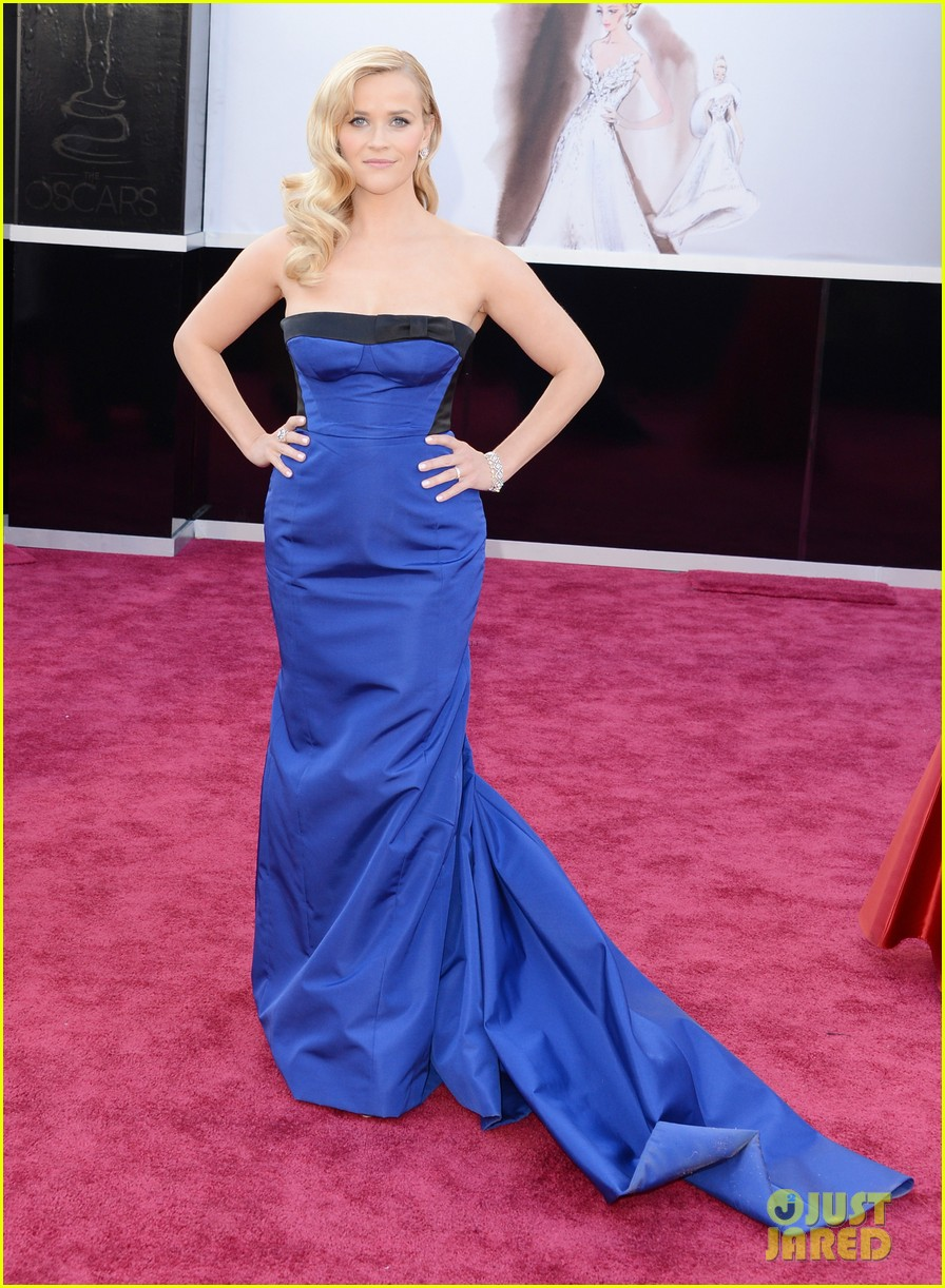 reese witherspoon oscars 2013 red carpet 052818990