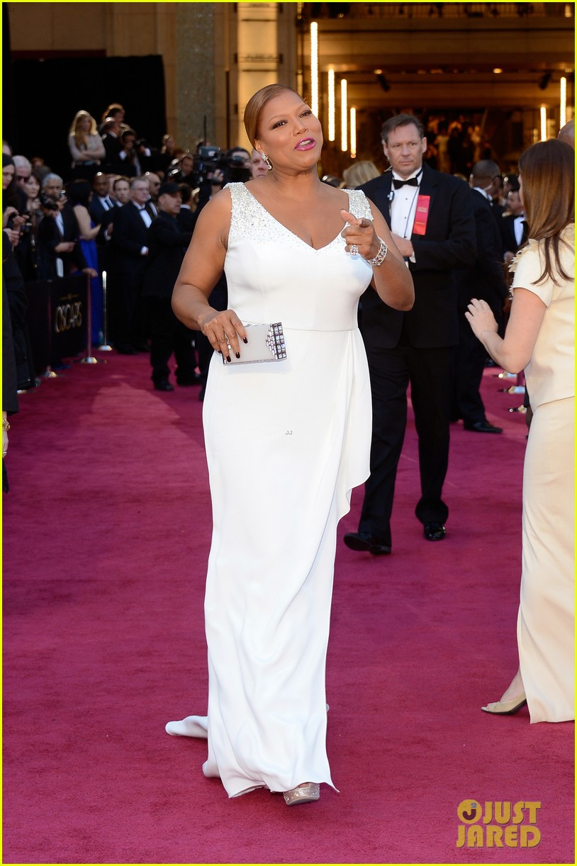 renee zellweger queen latifah oscars 2013 red carpet 14