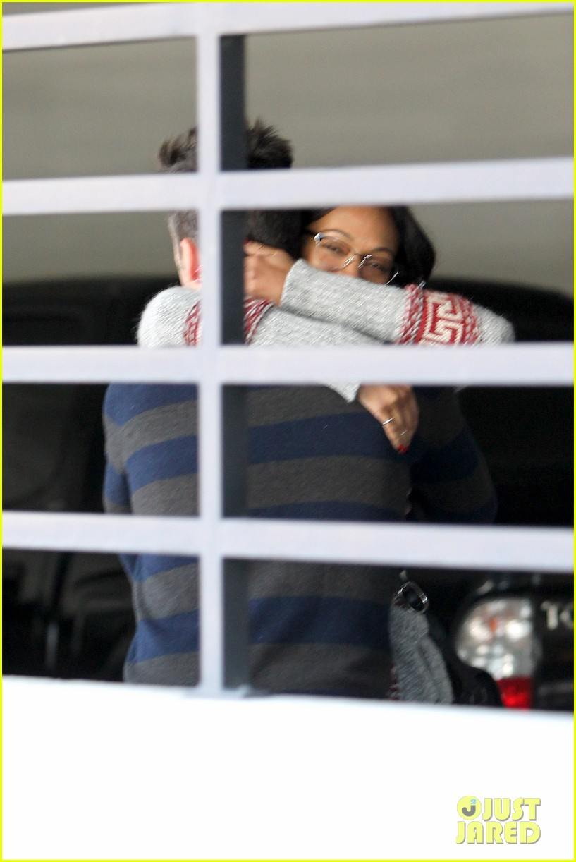 zoe saldana beverly hills beauty 042810617