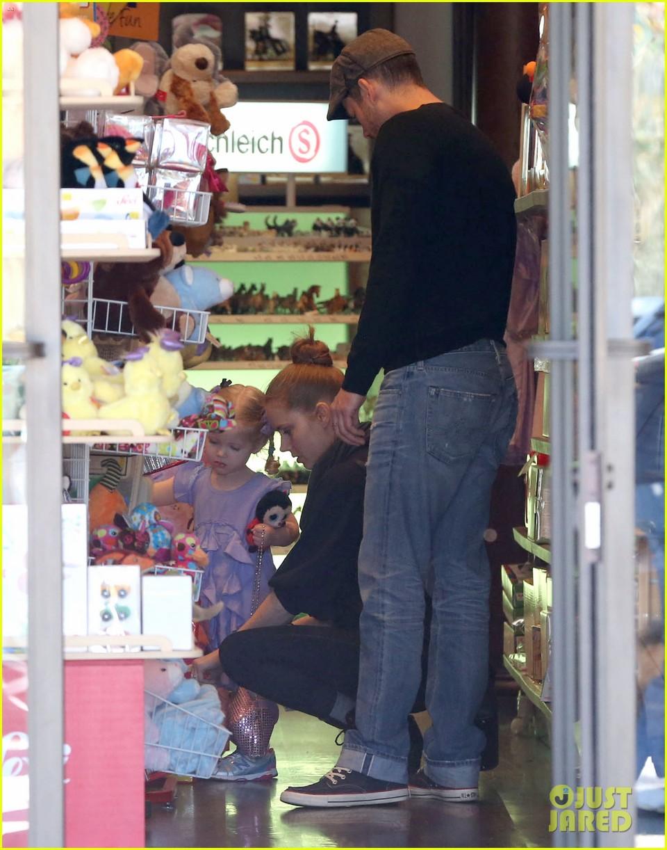 admy adams darren le gallo toy shopping avianna 142828141