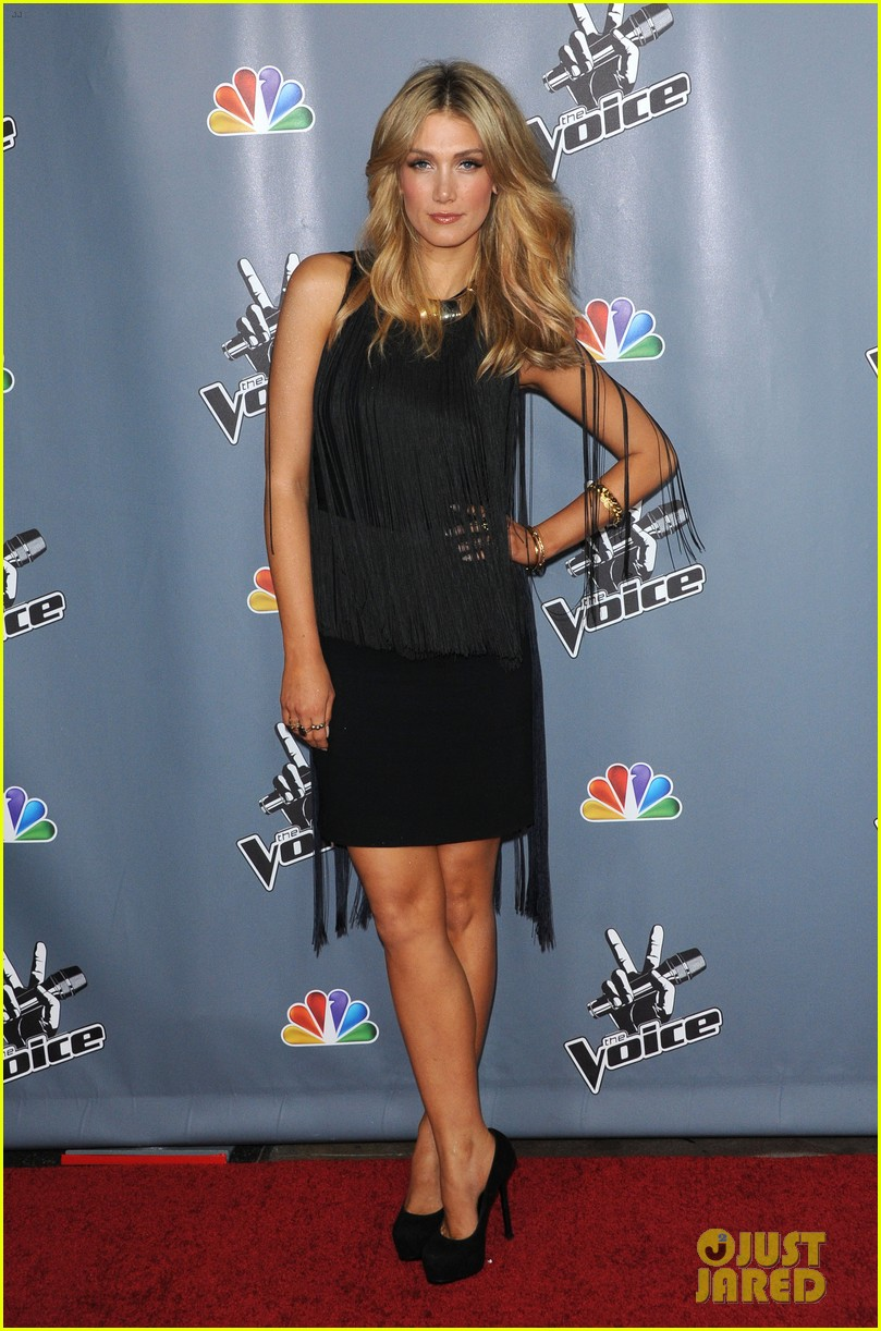 christina aguilera usher the voice season 4 screening 192834898