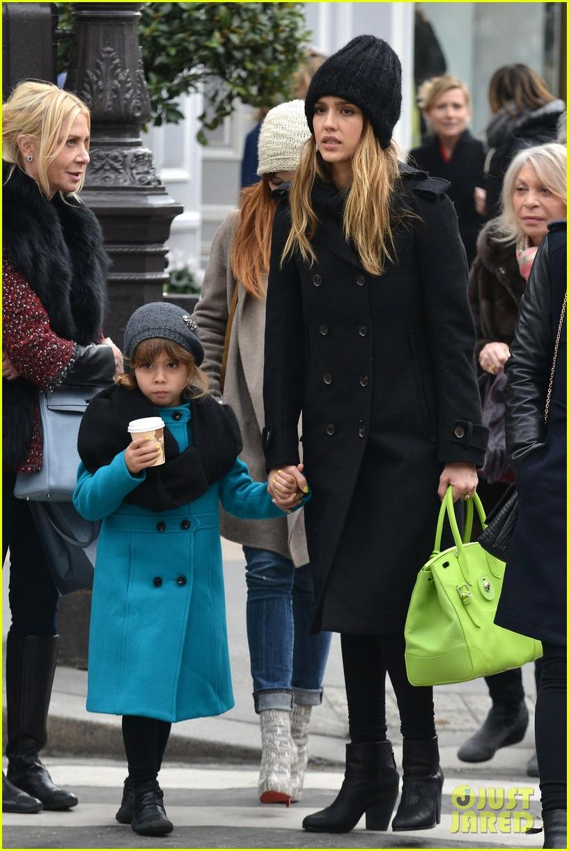 jessica alba kenzo paris fashion show 112824269
