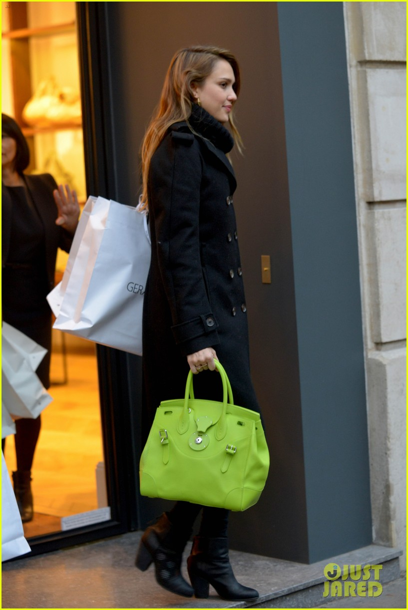 jessica alba kenzo paris fashion show 45