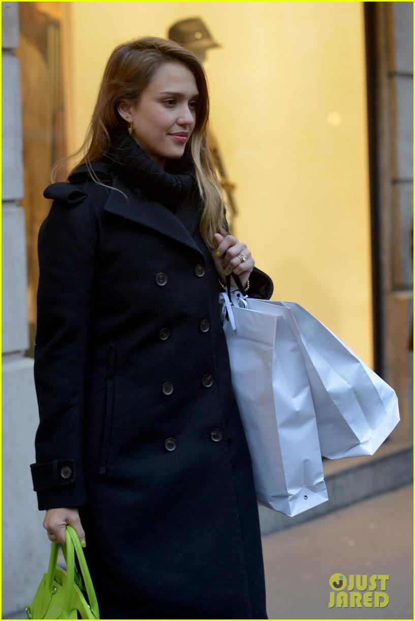 jessica alba kenzo paris fashion show 462824304