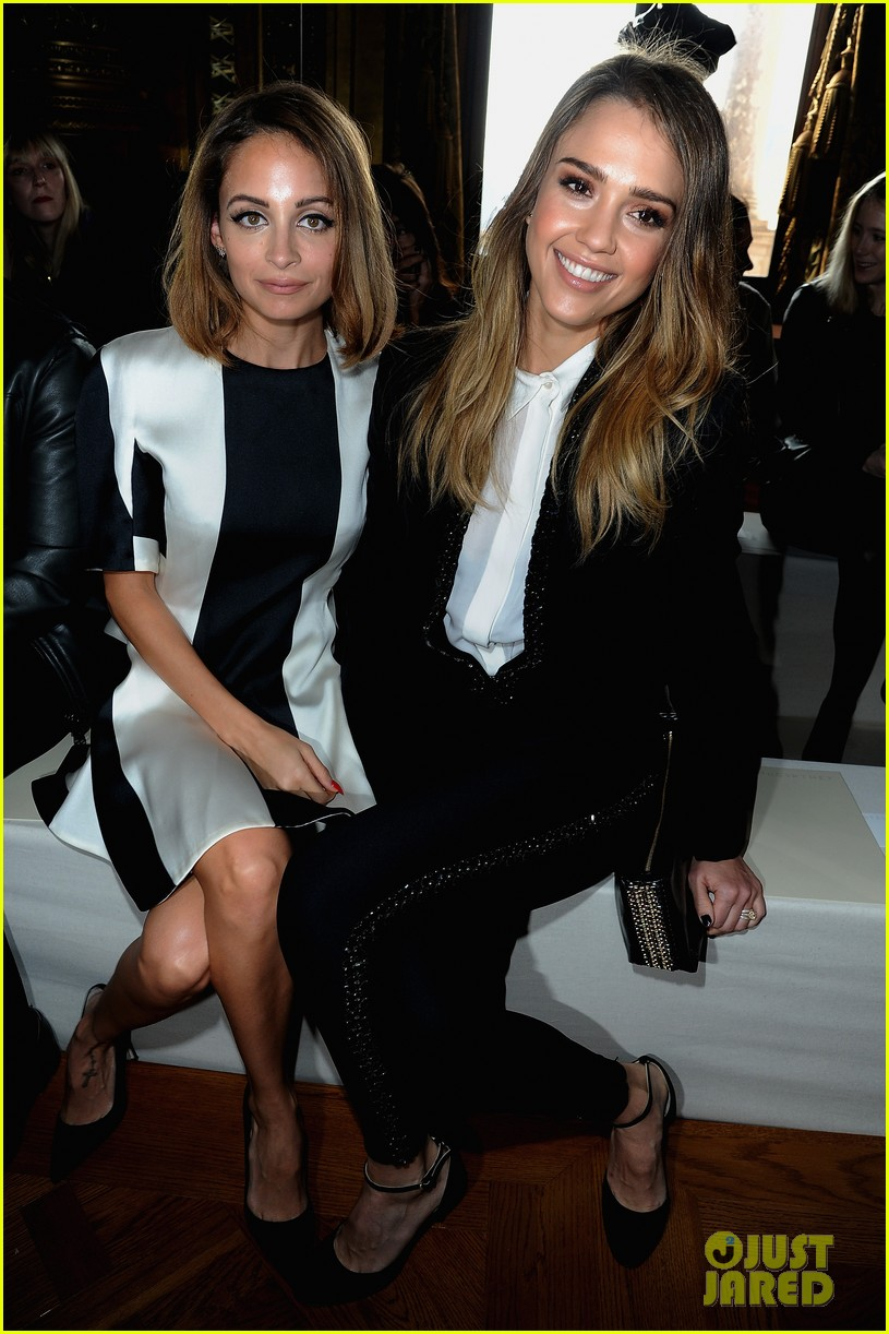 jessica alba nicole richie stella mccartney fashion show 03
